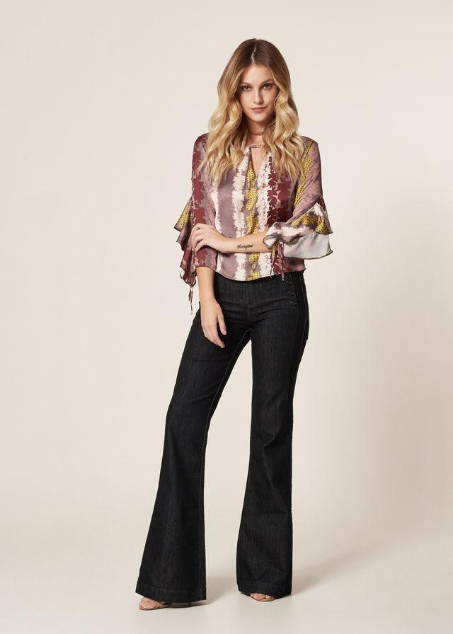 Calça Jeans Flare Detalhe Botões